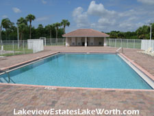 pool and cabana at Lakeview Estates